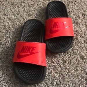 Nike Youth Flops